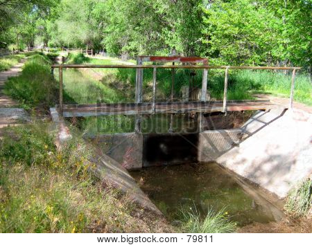 Picture or Photo of Irrigation ditch gate and bridge