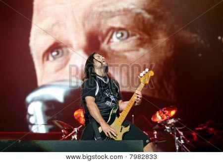 Bassguitarist del grupo americano de metal Metallica