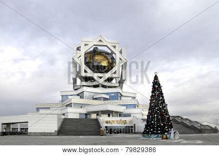 Ashgabat, Turkmenistan - Circa December 2014: Christmas Fir-tree In Front Of Beautiful Palace Circa