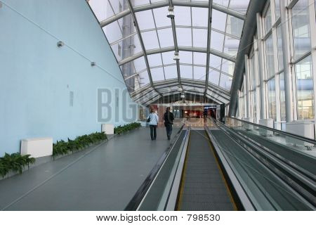 glass way escalator