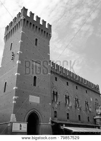 Este Castle. Tower And Wall. Black And White