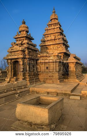 Shiva temple on the shore of bay of bengal built by the pallava kings
