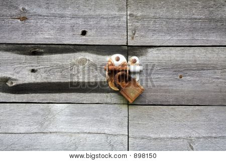 Wooden Fishermans Store Padlock 1