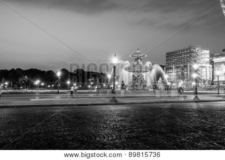 PARIS - SEPTEMBER 07: The Place de la Concorde at night on September 07, 2014 in Paris, France. The Place de la Concorde is one of the major public squares in Paris, France