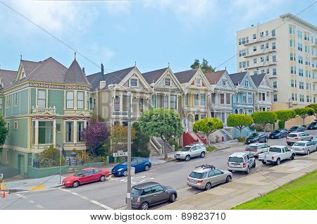 The Painted Ladies At Alamo Square, San Francisco, Usa