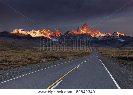 Mount Fitz Roy at sunrise. Los Glaciares National Park, Patagonia, Argentina