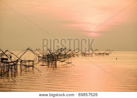 Thai style fishing trap in Pak Pra Village, Net Fishing Thailand, Thailand Shrimp Fishing, Phatthalu