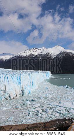 Vertical Perito Moreno