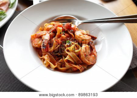 Fettuccine With Shrimp And Tomatoes