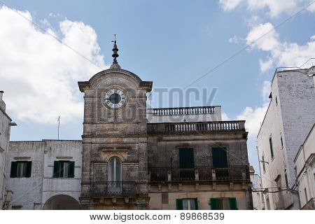 Cisternino Square Of Clock