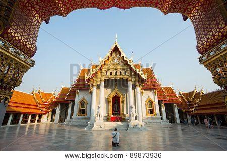 Bangkok ,thailand ,circa February 2015 :thai Buddhist Pay Respect In Temple ,wat Benjamaborphit Temp