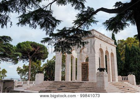 Mausoleum ossuary of the Janiculum hill