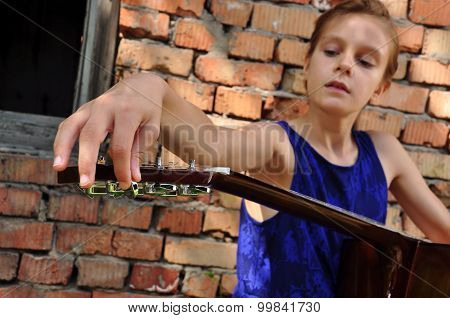 Child Tuning  Guitar