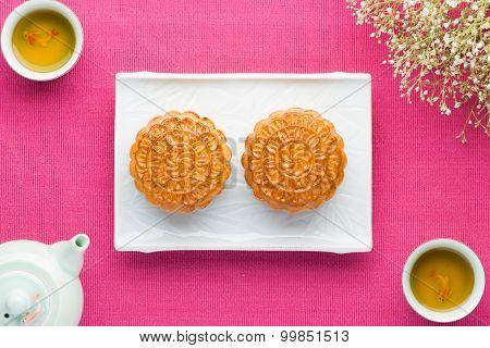 Chinese Mooncake and Tea