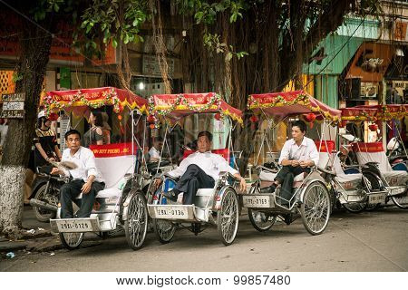 Vietnamese wedding rickshaws, Hanoi