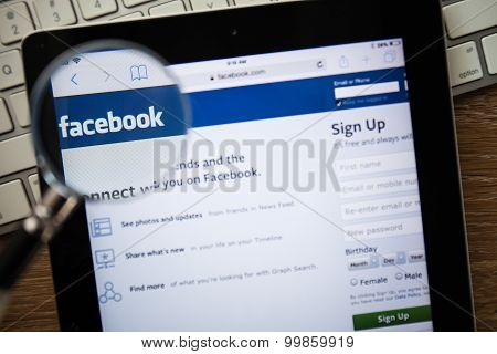 Chiang Mai, Thailand - February 15, 2015: Facebook Application Sign In Page On Apple Ipad.