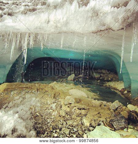 Under a glacial
