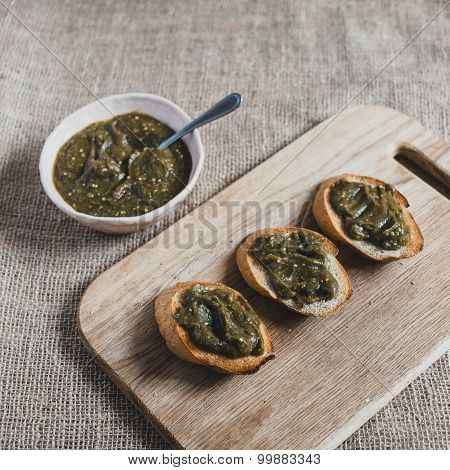 Toasts with spinach