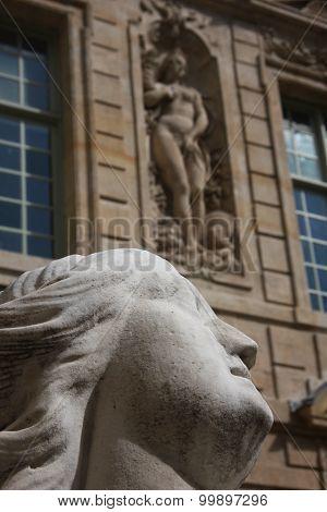 Statue in Paris