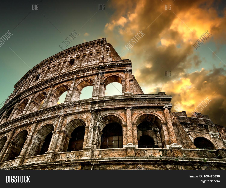 Colosseum Rome Sky Background Image & Photo
