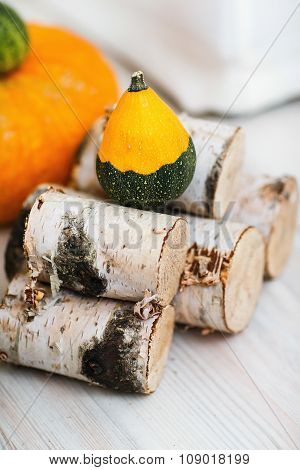 The wood and pumpkin