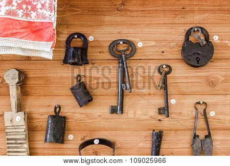 Old lock, keys and other items