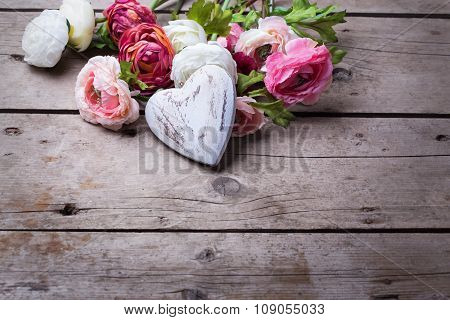 Decorative White Wooden  Heart And Flowers