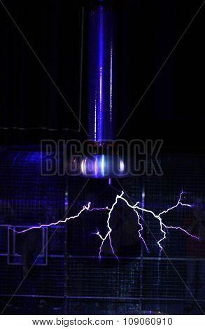 Plasma lamp electgric