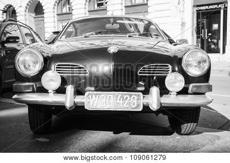Dark Old-timer Volkswagen Karmann Ghia, Front
