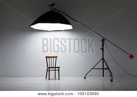 Deep octobox studio softbox modifier in a professional photo studio.