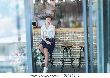 Quietly Sit At The Bar Girl