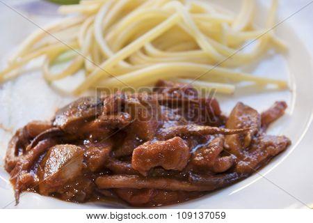 Spaghetti alla chitarra With Squid Sauce
