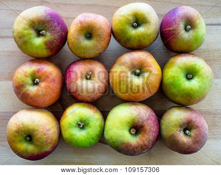 12 Apples In 3 Rows
