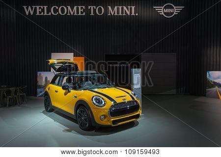 Mini Hardtop On Display