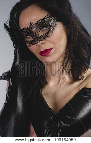 widow with sensual look, dangerous woman