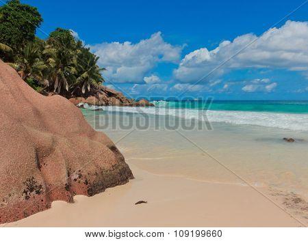 LaDigue Stones Rocky Beach