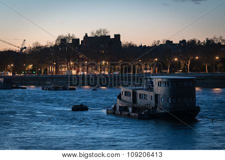 London River Boat