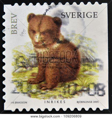 SWEDEN - CIRCA 2005: stamp printed in Sweden shows Bear circa 2005