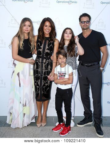 LOS ANGELES - NOV 21:  Brooke Burke-Charvet, David Charvet, family at the Petit Maison Chic and Operation Smile Fashion Show at the Private Location on November 21, 2015 in Beverly Hills, CA