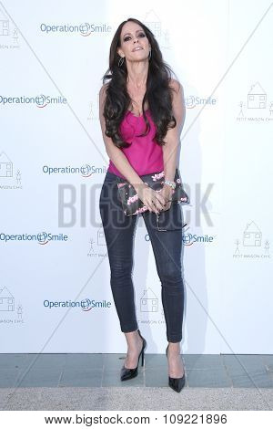 LOS ANGELES - NOV 21:  Allison Melnick at the Petit Maison Chic and Operation Smile Fashion Show at the Private Location on November 21, 2015 in Beverly Hills, CA