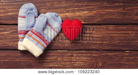 Mittens And Heart Shape Toy