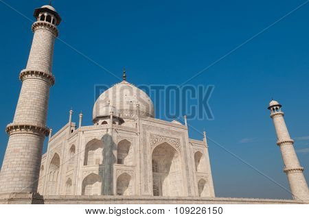 Taj Mahal in daytime with blue sky, Agra, Uttar Pradesh, India