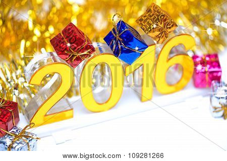 Golden 2016 3D Digital Icon With Gift Box