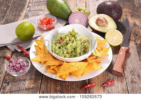 guacamole and tortilla chip