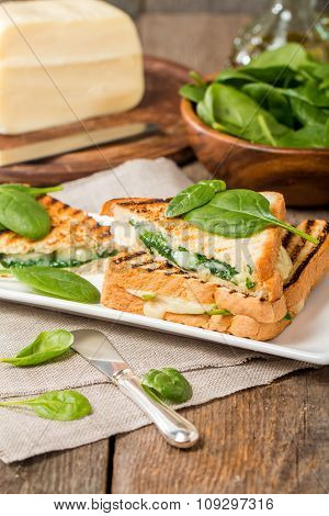 Sandwich With Cheese And Spinach
