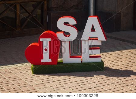 Kiev, Ukraine - September 18, 2015: Sample of outdoor advertising symbolizing the trade discounts
