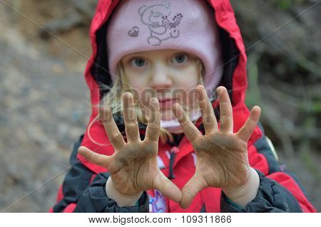 Little Girl  With Dirty Hands