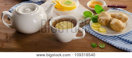 Tea With Lemon, Ginger, Honey  And Mint