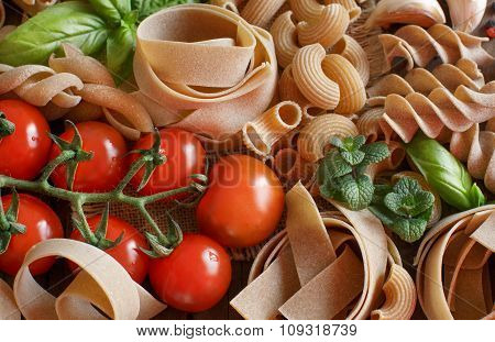 Whole Wheat Pasta With Vegetables And  Herbs