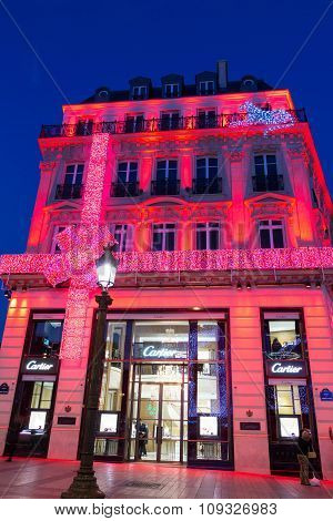 The Christmas Decoration On Jewellery Boutique Cartier.